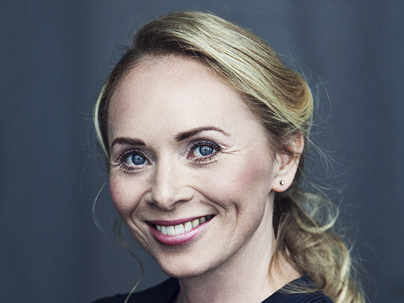 Thora Einarsdottir Soprano
